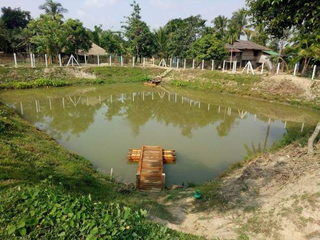 8 Ywar thit, jetty with fencing, Mee Jaung Zay VT